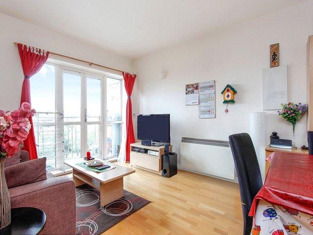 Properties For Sale In London E14 United Kingdom Cbre