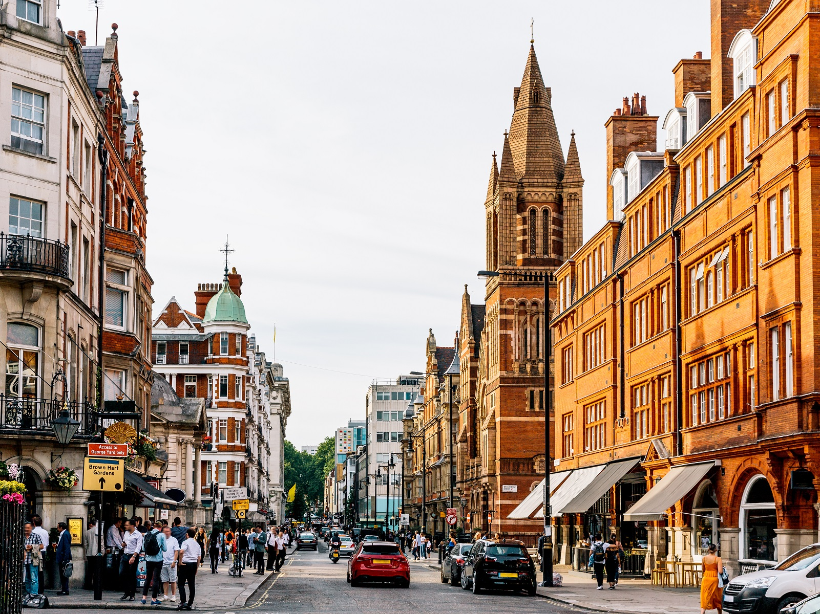 Street in Mayfair showcasing London architecture