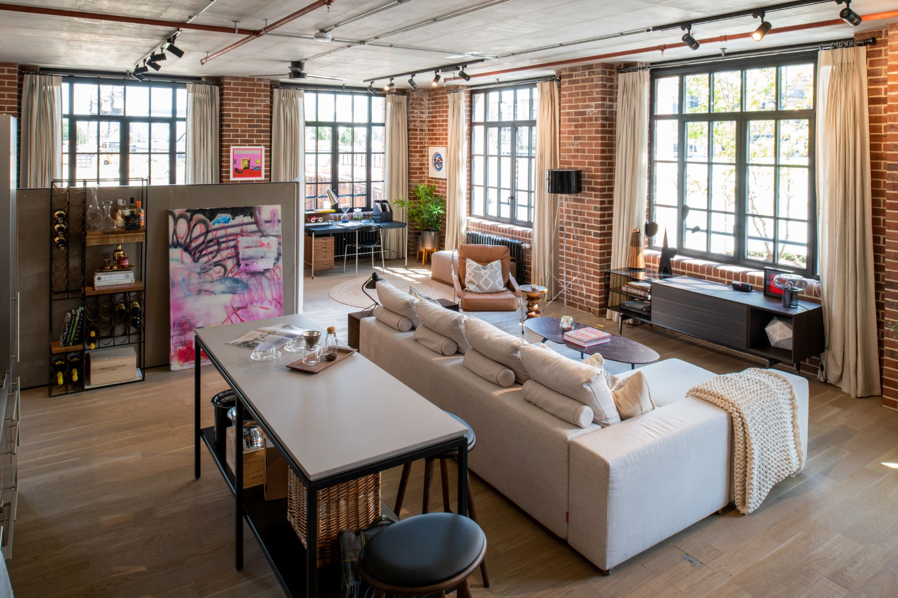 No. 8 Harbord Square, Canary Wharf   Loft homes available to buy   CBRE Residential